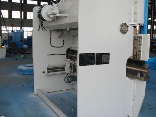 wc67k系列液压板料折弯机图片